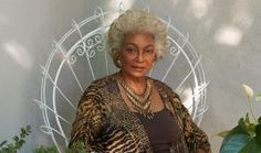 Nichelle Nichols broke barriers for African-American women when she was cast as Commander Uhura on Star Trek. Nichols reflects on her days on set of the Star. Star Wars, Star Trek Tos, Nichelle Nichols, Celebrities Then And Now, Whoopi Goldberg, Young And The Restless, African American History, African Women, In Hollywood