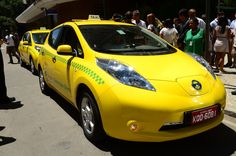 Nissan LEAF - Cerimônia de entrega dos dois primeiros Nissan LEAF Táxi para a Cidade do Rio de Janeiro.