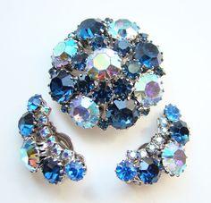 Vintage Weiss Blue Rhinestone Brooch Earrings Demi Signed