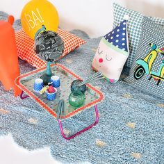 Produtos á venda no site @Mimoo Toys´n Dolls! Foto: Sidney Doll Produção: Fernanda Emmerick Realização: @Mix Conteúdo Produtos: #mimootoysndolls #lorenacanals #lorenacanalsrugs #ricedk #eameskids #charleseames