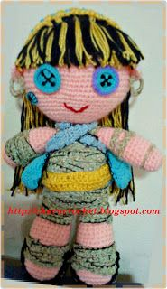 Charo Crochet: MONSTER HIGH PELUCHE (NO way it's Cleo de Nile the mummy!)