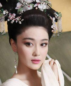 Viann Zhang in Empress of China TV drama (a.k.a. Wu Zetian)