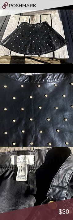 🆕List! Vegan Leather Studded Skater Skirt! EUC! Fully lined. Side snap & zip. Black with antique gold studs. Perfect condition! Gorgeous! XXI Skirts Circle & Skater