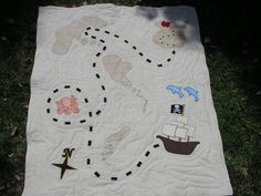 Treasure Map Quilt [TONS of PICS] - QUILTING treasure map quilt. this would be an AWESOME idea for a couple's life story from the time they met til they got married. stitching different words small pics etc. (the easiest stuff to stitch at least). Pirate Quilt, Pirate Maps, Map Quilt, Quilt Blocks, Treasure Maps, Pirate Treasure, Treasure Island, Quilting Projects, Sewing Projects
