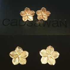 Custom Forget-me-not earrings for @rynblair. Gold plated silver & diamonds.