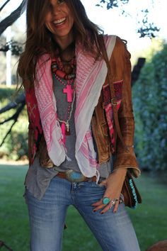 Another view of this awesome boho look.