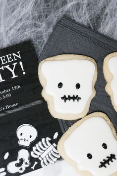 Skeleton cookies for your Halloween party - a spooky and delicious treat!