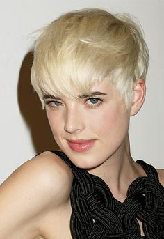 Think Your Hair Can't Be Tamed? Think Again! Everyone wants to have great looking hair, as a good set of locks can completely transform a person's appearance. Hairstyle, Platinum Blonde Hair Color, Model Hair, Blonde Hair Color, Really Short Hair, Cool Hairstyles, Long Hair Styles, Hair Beauty, Hair Styles