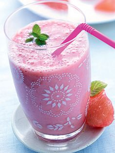 How to Make Refreshing Juices And Smoothies Everytime Smoothie Banane Kiwi, Smoothie Diet, Smoothie Recipes, Just Juice, Raw Juice, Nutritious Smoothies, Healthy Drinks, Smoothies Sains, Best Vegetarian Recipes