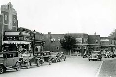 Westdale traffic circle & Westdale theatre opened September First theatre in Hamilton with A/C and built specifically for sound motion pictures Old Pictures, Old Photos, Vintage Photos, Chatham Ontario, Hamilton Ontario Canada, Historical Images, Local History, The Province, City