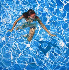 Heather Horton is a contemporary Canadian visual artist who recently moved from Ontario to The Yukon Territory. She accepts painting commissions. Underwater Photography, Art Photography, Portrait Art, Portraits, Frozen 2, Underwater Painting, Realistic Paintings, Beach Art, Anime Comics