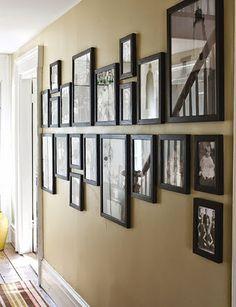 Decorar pasillos no es tarea fácil. En Kibuc te damos algunos consejos e ideas para decorarlos con mucho estilo con fotos, libros, cuadros y mucho más.