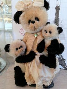 Panda babies by Shaz Bears ...if  I could have just one in my collection this would be the one.