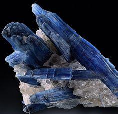 Minerals, Crystals & Fossils Kyanite in rock - Brazil
