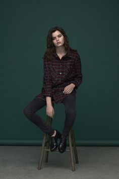 Soft slim jeans with zip details on pockets. Warm shirt/jacket in red check print fleece.