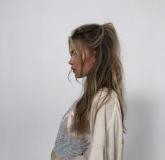 Messy Hairstyles, Pretty Hairstyles, Hair Inspo, Hair Inspiration, Brown Blonde Hair, Messy Blonde Hair, Messy Wavy Hair, Aesthetic Hair, Blonde Aesthetic