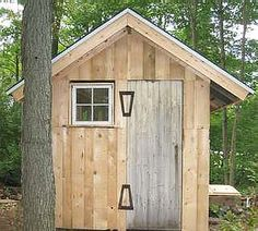 Building a Wood Shed from recycled wooden pallets...I can see this as a mom cave in a corner of my garden, by the edge of the woods!!! Many other construction diys here too. Amazing site :) dhw.