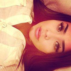 Love her makeup<3
