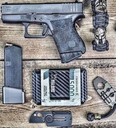 Hellbent Holsters Combat Wallet 2.5 - Black Carbon Fiber