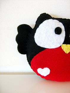 Red Belly Owl Plush Toy / Eco Friendly by vivikas on Etsy Felted Wool Crafts, Felt Crafts, Fabric Crafts, Fuzzy Felt, Wool Felt, Owl Sewing, Sewing Projects, Craft Projects, Owl Fabric