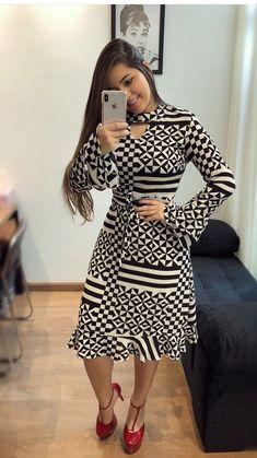 Cute polka dot shirt and long brown skirt Trend Fashion, Fashion Outfits, Womens Fashion, Fashion Design, African Fashion Dresses, African Dress, Pretty Dresses, Beautiful Dresses, Frock For Women