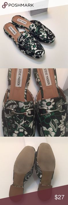 NEW !!!!!!!!! Madden Chess Print Mule, 8 🌸New with box ( can't find the lid of the box though, so will just ship without the box), never used/worn. Please let me know if you have any questions, I am here to help. Steve Madden Shoes Mules & Clogs