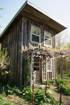 Reduce the environmental impact of your tiny house project using reclaimed lumber. | Tiny Homes