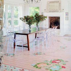 Love, love, LOVE that painted floor.