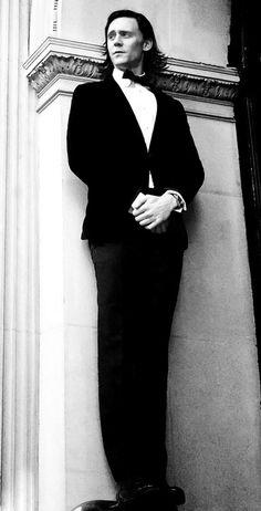 black and white portrait of Tom Hiddleston