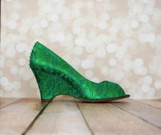 16247b355b1a Elegance and originality meet in these custom wedding shoes by Ellie Wren.  The emerald wedges