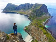"Gefällt 85 Mal, 19 Kommentare - Sven Wiesse (@svenwiesse) auf Instagram: ""Incredible view #lofoten #værøy #lifeofadventure #welivetoexplore #outdoorpassion #sony…"""