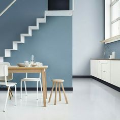 Hallway colour ideas dulux colour of the year denim drift family tonal colour palette blue hues Dulux Paint Colour Of The Year, Color Of The Year 2017, Dulux Paint Colours Blue, Dulux Color, Interior Paint, Home Interior, Interior Design, Denim Drift Dulux Paint, Dulux Blue