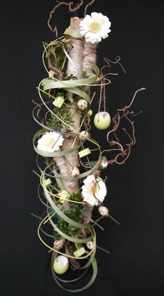 berkenstam op standaard Creative Flower Arrangements, Beautiful Flower Arrangements, Floral Arrangements, Beautiful Flowers, Corporate Flowers, Gerbera, Flower Designs, Floral Design, Projects To Try
