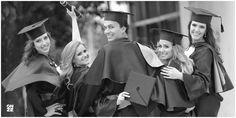 Studio Onze - Foto de Convite | MED 9 PUC Graduation Portraits, Graduation Photoshoot, Graduation Photography, Grad Pics, Graduation Pictures, Teen Photo Shoots, Graduation 2016, Senior Pictures, Prom