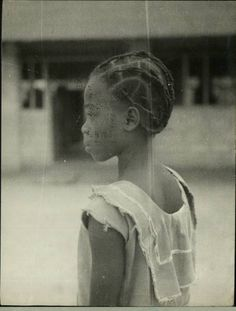 Portrait of a Nigerian girl, Vintage Nigeria Vintage Pictures, Vintage Images, African Hairstyles, Braided Hairstyles, Nostalgia Photography, Nigerian Culture, Nigerian Girls, Fela Kuti, Photo Class