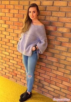 Добрый день, дорогие рукодельницы! Подруга моей дочери попросила связать свитер. Дала ссылочку на картинку. Если честно, свитер мне немного не понравился.