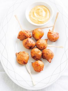 Food News, Best Restaurants, Cooking Tips & Tricks, Easy Recipes, Quick Meals and New Drinks Tapas, Corn Dogs, Appetizer Recipes, Dog Food Recipes, Cooking Recipes, Corndog Recipe, Fingers Food, Buffet, Ricardo Recipe
