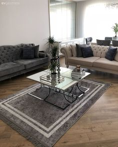 Striking details in neutral colors. The guest of a sophisticated house . Striking details in neutral colors . We are a guest of a sophisticated house . Modern Furniture Sets, Furniture Sofa Set, Mirrored Furniture, Furniture Design, Living Room Designs, Living Room Decor, Pedestal Coffee Table, Home Decoracion, Living Room Carpet