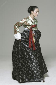 Korean traditional dress by Baek Oak-Soo #hanbok