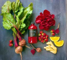 Bottoms up returns to the Seasonal menu at Liquidology Bar! Beets for stamina~ Strawberries for antioxidants and wrinkle prevention~ why yes please! Healthy Recipes, Juice Recipes, Healthy Food, Love Beets, Health Bar, Increase Stamina, Cold Pressed Juice, Prevent Wrinkles, Juice Cleanse
