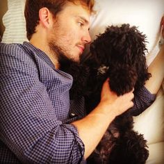 21 Adorable Pets and the Celebrities Who Love Them | Sam Claflin and Rosie