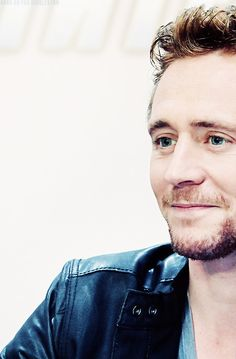 This unhealthy obsession with Tom Hiddleston needs to end!!! This is it! No more! I'm doing this cold-turkey!! I'm done!