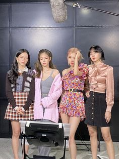 Black Pink Songs, Black Pink Kpop, Kim Jennie, South Korean Girls, Korean Girl Groups, Blackpink Outfits, Mode Ulzzang, Blackpink Photos, Blackpink Fashion