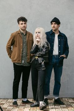 dedicated to the lead vocalist of paramore, hayley williams. Hayley Paramore, Paramore Hayley Williams, Hayley Williams Style, Taylor York, Indie, Band Photography, Band Photos, How To Pose, Music Bands