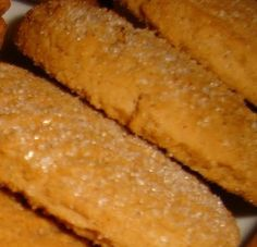 Μπισκότα κανέλας! Greek Sweets, Greek Desserts, Greek Recipes, Sweets Recipes, Cookie Recipes, The Kitchen Food Network, Biscuit Cookies, Pie Cake, Hot Dog Buns
