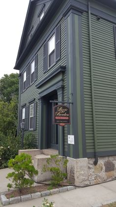Investigate an unsolved 100+ year old murder in this museum/B&B.