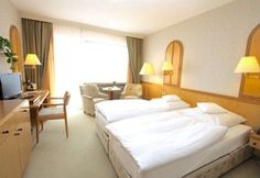 Komfort-Doppelzimmer mit Balkon (Südseite) Bad Bevensen, Hotel Berlin, Komfort, Bed, Furniture, Home Decor, Double Room, Balcony, Homes
