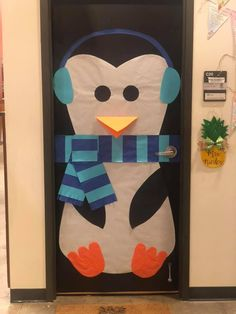 Sometimes the hardest part of Christmas door decorations is figuring out the idea. In this post you will find plenty of inspiration from Elf Selfies to Gingerbread Houses to Grinch Acts of Kindness to Elf on the Shelf (and more)! School Door Decorations, Class Decoration, Grinch Christmas Decorations, Christmas Signs, Preschool Door, Christmas Classroom Door, The Office, Gingerbread Houses, Shelf