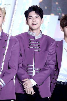 180125 Wanna One at Seoul Music Awards