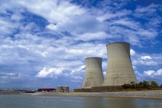 Some 40 years after construction started, a Tennessee Valley Authority nuclear plant successfully completed a pressure test this week. A so called cold hydro-static pressure test at the Watts Bar U. Solar Panel Cost, Solar Energy Panels, Solar Energy System, Solar Power, Nuclear Test, Nuclear Power, Tennessee Valley Authority, Nuclear Reactor, Solar Water Heater